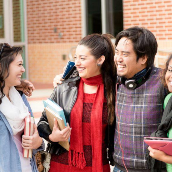 7 cách giúp học sinh gắn kết với bạn bè quốc tế