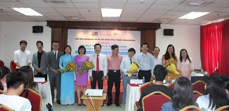 Điều hành Trung tâm tiếng Anh tại Việt Nam: Thực tiễn từ nhà quản lý.