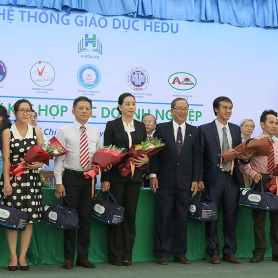 Lễ ký kết hợp tác doanh nghiệp giữa đại diện Horizon Tesol và tập đoàn Hùng Hậu (HEDU)