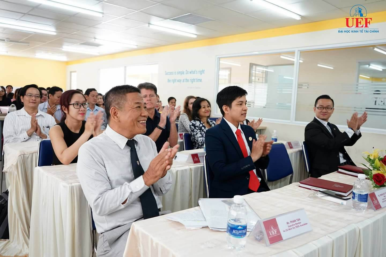 Buổi hội thảo thu hút sự tham dự của của gần 100 chuyên gia, giảng viên, giáo viên và sinh viên