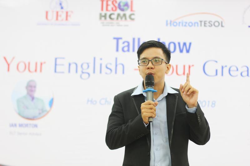 """Thầy giáo nổi tiếng với các clip dạy tiếng Anh qua thơ, nhạc – Nguyễn TháiDương khuyên các bạn nên bước ra khỏi """"vỏ bọc an toàn"""""""