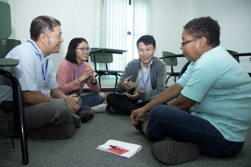 Hoạt động thảo luận cho sinh viên Anh ngữ