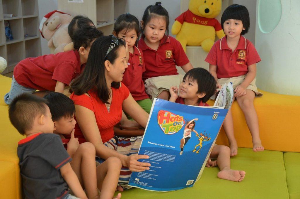 kể chuyện cho trẻ